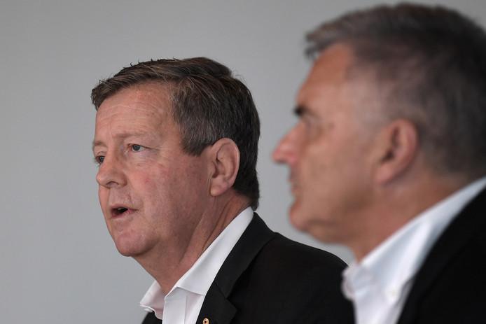 Matt Carroll, de l'Australian Olympic Committee (AOC), et Ian Chesterman, chef de l'équipe Mission for Tokyo 2020, ont annoncé la décision de ne pas envoyer d'athlète aux JO d'été
