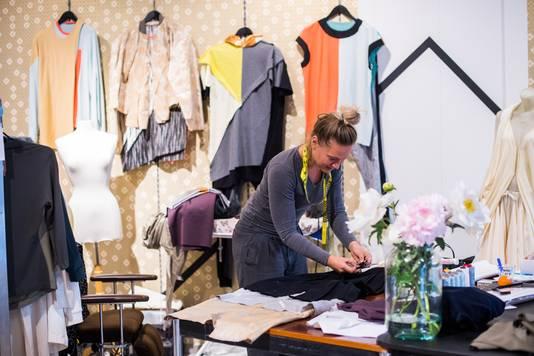 Mirte Engelhard aan het werk. Foto: Rolf Hensel.