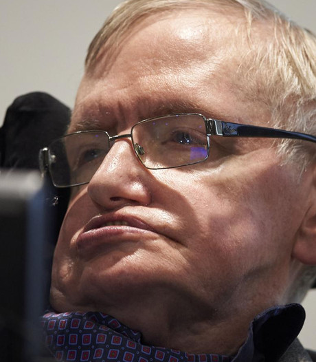 Stephen Hawking mag met Virgin Galactic mee de ruimte in