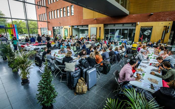 Brugge: de vierkante langste tafel