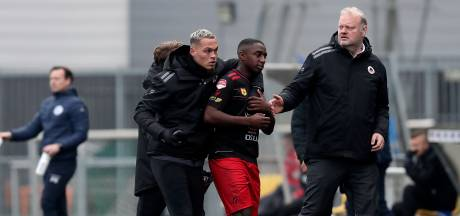 Duel FC Den Bosch tijdelijk stilgelegd na beledigingen uit publiek: 'Afgebrand op basis van huidskleur'