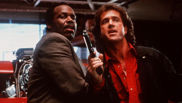 Danny Glover (links) en Mel Gibson in Lethal Weapon. Beeld null