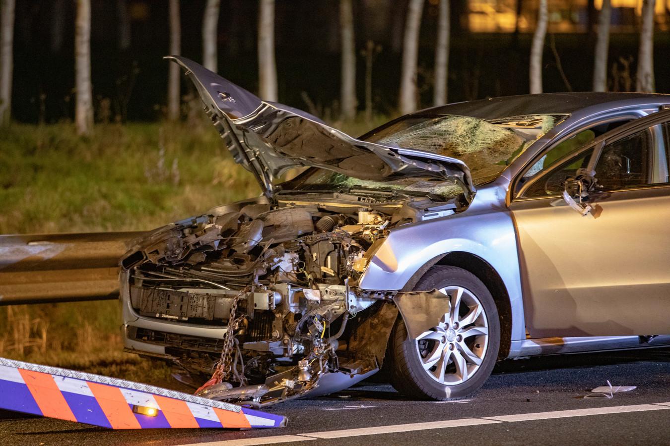 Een taxichauffeur uit Bergen op Zoom die via Uber werkte reed een vader en zijn dochter aan op de A9. Zij overleden ter plekke.