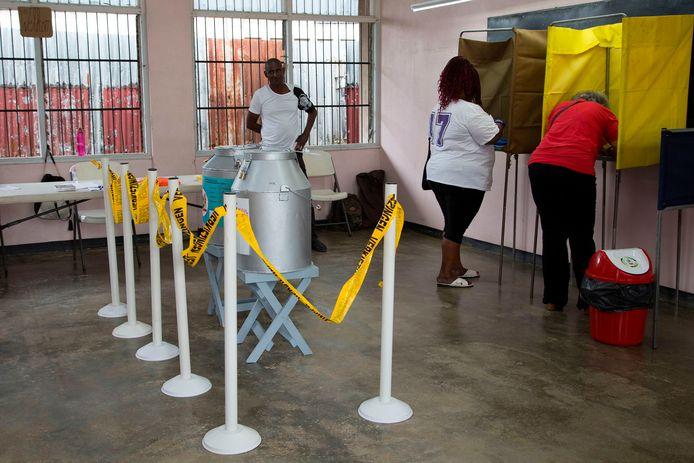 Mensen in Suriname konden op 25 mei stemmen.
