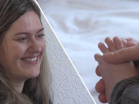 Haagse baby's komen tot rust door voetmassage