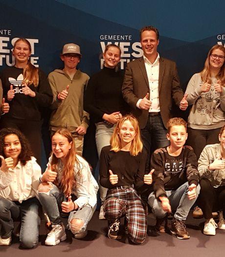 Jongeren bouwen camper om tot 'Honk op Wielen'