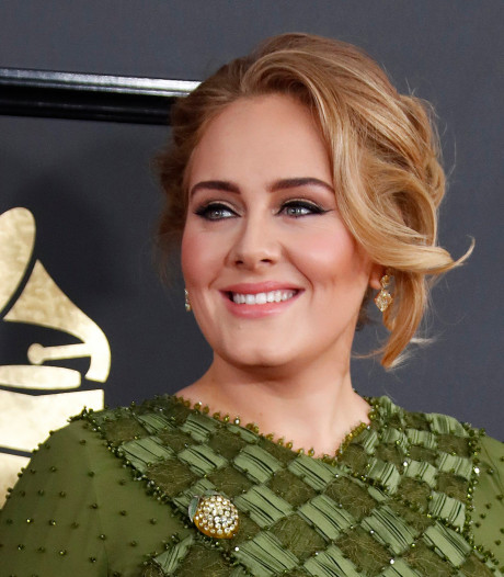 Adele voltrekt huwelijk van beste vriendin