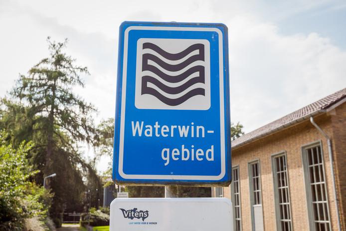De kwaliteit van het grondwater voldoet bij 12 van de 20 drinkwaterwinningen in Overijssel en 3 van de 37 drinkwaterwinningen in Gelderland niet aan de doelstellingen die in de Europese Kaderrichtlijn Water (KRW) zijn opgenomen.