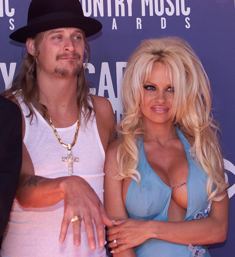 Pamela en Kid Rock in 2002.