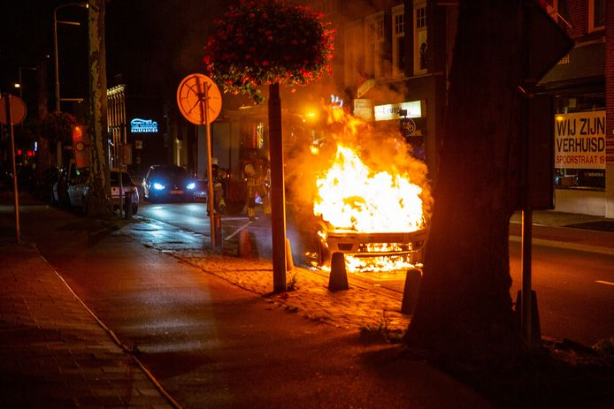 De autobrand in Roosendaal.