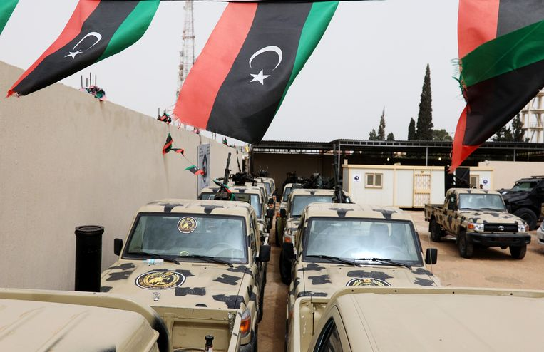 """Maarschalk Khalifa Haftar rukte donderdag met zijn troepenmacht - het zelfverklaarde Libische Nationaal Leger - op richting Tripoli om de hoofdstad """"te bevrijden."""