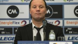 """FT Buitenland: Vreven na 0-8 tegen Ajax: """"Ik ben verantwoordelijk. Ik ben de trainer"""""""
