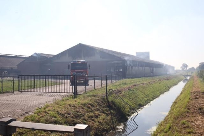 Brand in stallen bij veehouderij Someren