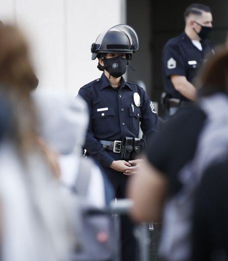Un homme à genoux abattu par la police en Californie