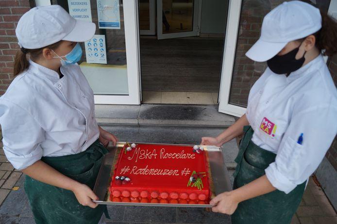 De taart die het MSKA maakte voor Slongs.