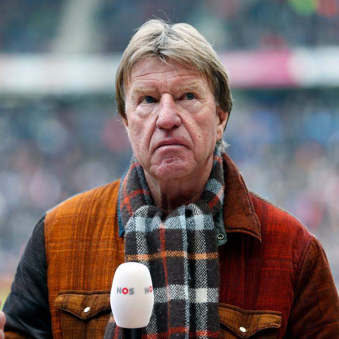 Aad de Mos denkt dat PSV overnieuw moet beginnen.