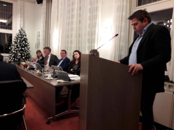 Oud-Oisterwijker Frank Wagemans breekt als inspreker in de gemeenteraad van Oisterwijk een lans voor behoud van het groene karakter van het oude buurtschap Kerkhoven