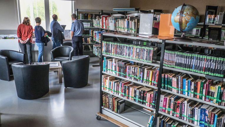 Het bibliotheeklokaal.