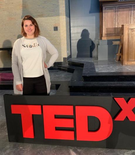 Terneuzense Esmee (21) houdt TED-talk: 'Ik wil mensen inspireren vaker een boek op te pakken'
