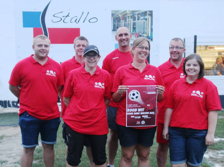 Rood Wit voor Rode neuzen is een initiatief van Trainers, papa's en mama's van de jeugd van voetbalclub FC Smetlede.