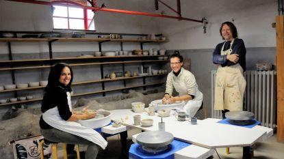 Ambachten: pottenbakker Dominique Stienlet geeft kennis door tijdens populaire workshops