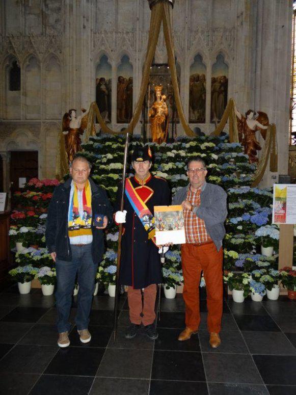 Danny Stad, Suisse Tony Achtergale en Jean-Marie Vrijens mogen in Rome de inauguratie van de Zwitserse wachten bijwonen.