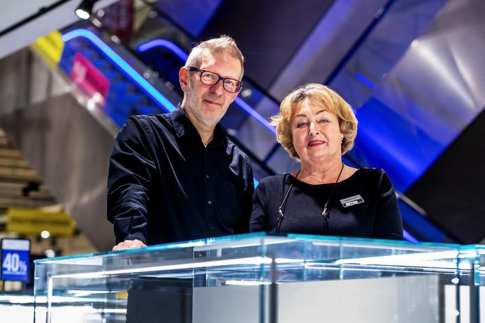 UTRECHT- Stefan van der Zeijden(62) en Kati Besouw(66) nemen afscheid van Hudson's Bay.
