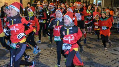 """2.500 lopers op uitverkochte Manneken-Pis Corrida: """"ideaal om kerstcalorieën te verbranden"""""""