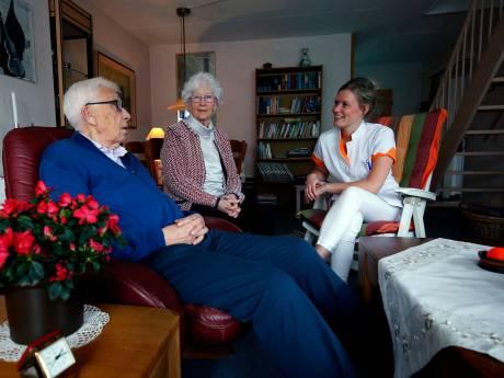 Consultatiebureau in Leerdam helpt ouderen ongevraagd: 'Deze generatie trekt niet snel aan de bel'