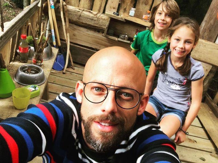 Staf met zijn kinderen Beau en Nora.
