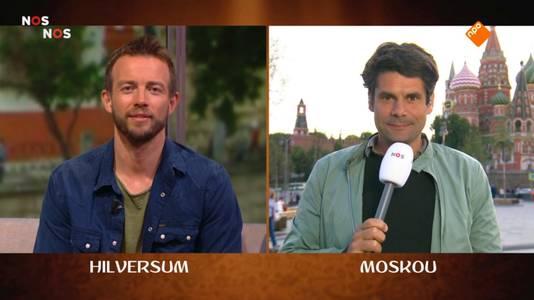 Jeroen Stekelenburg (rechts) doet verslag van het WK voetbal vanuit Moskou.