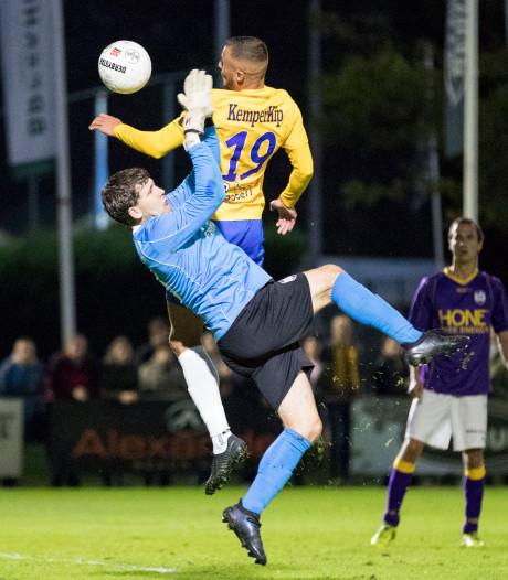 Tiental De Graafschap wint na strafschoppen van VVSB