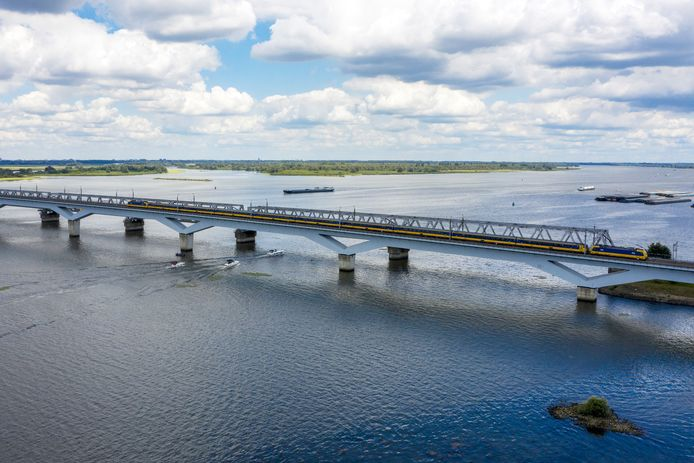 Van 17 tot en met 23 augustus rijden er geen treinen over de Moerdijkbrug
