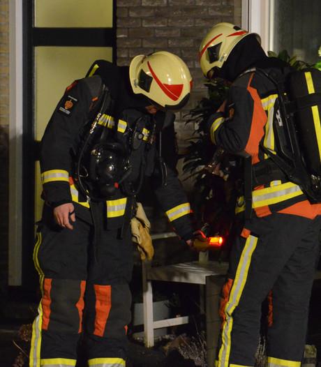 Paal door gasleiding geslagen in Dorpstraat, Waddinxveen