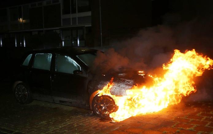 Vijfde auto in brand in Den Bosch op zaterdagavond.