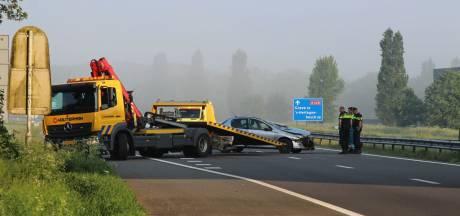 Automobilist maakt brokken op A326 bij Wijchen