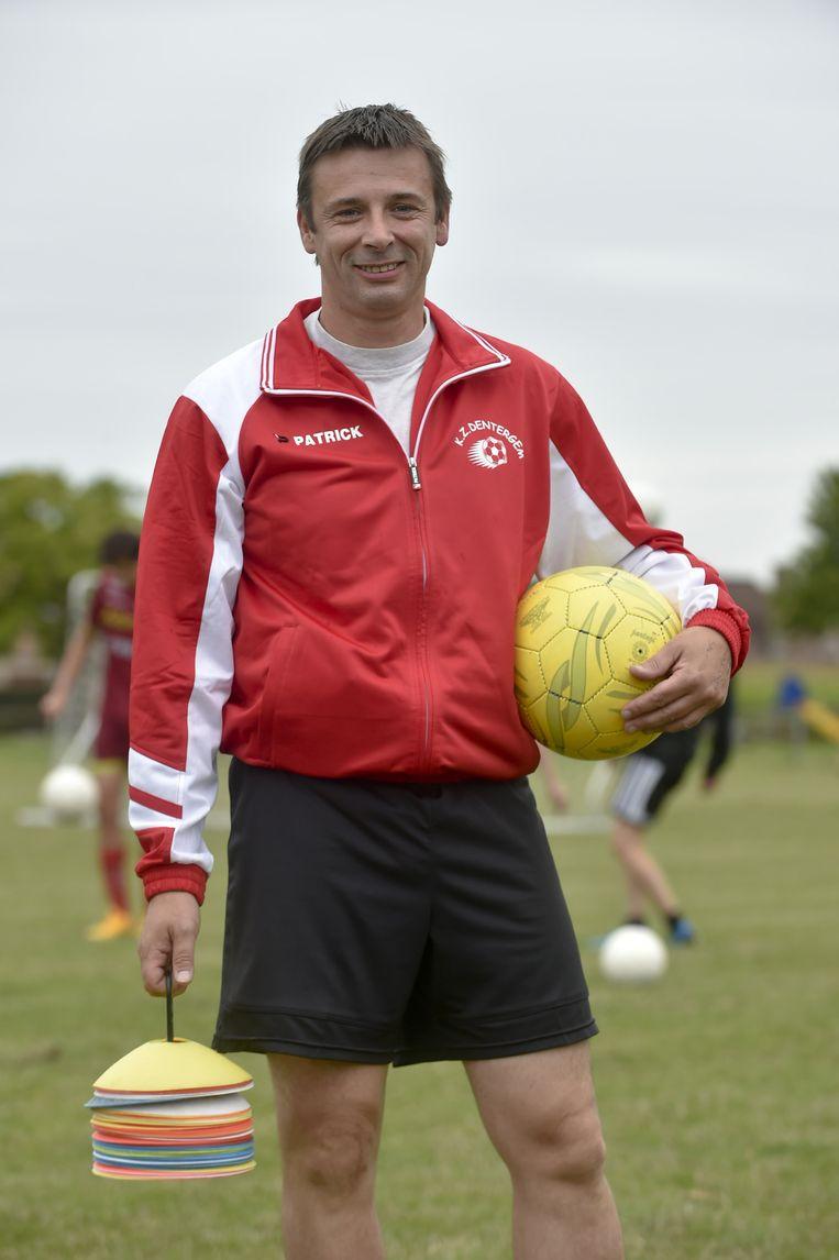 Coach Nico de Weghe is doof.