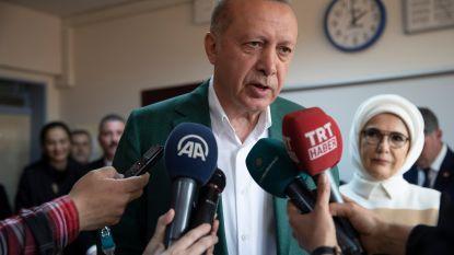 Partij van Erdogan leidt nationaal bij Turkse verkiezingen, maar spannende strijd in Ankara en Istanboel