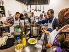 Burgemeester en wethouders koken voor Tilburg Noord