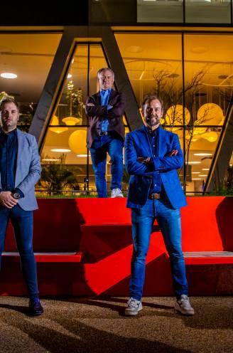 """Het grote analistendebat zwaait sportjaar 2020 uit: """"Van Aert had knal naast Van der Poel moeten gaan rijden, in zijn ogen kijken"""""""