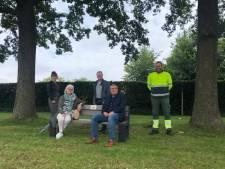 Zitbank als bedankje voor inwoners Dinkelland: 'Zien dat inwoners beter afval zijn gaan scheiden'
