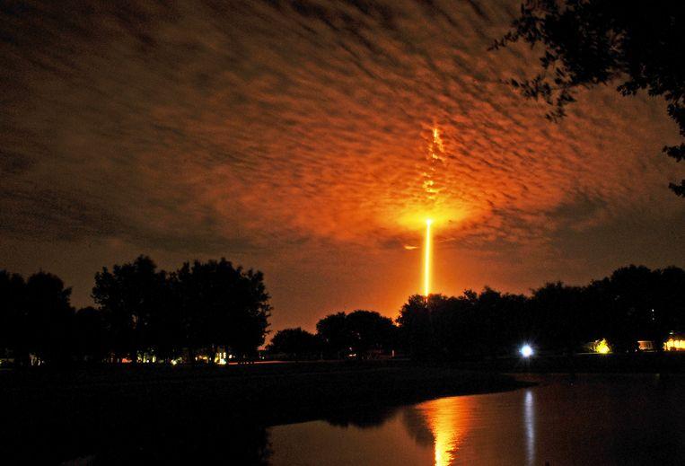 Beeld van een lancering van SpaceX met een Falcon 9 op Cape Canaveral.
