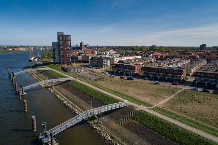 Naast de Michiel de Ruyter woontoren worden drie woontorens gebouwd. Naast de woontoren de fundering voor de tweede woontoren.