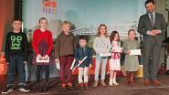 Winnaars stoeptekenwedstrijd krijgen prijzen