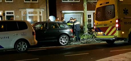 Jongen gewond bij val van fiets op singel in Enschede