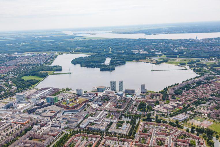 Het Weerwater in Almere Stad Beeld Bart Hofmeester