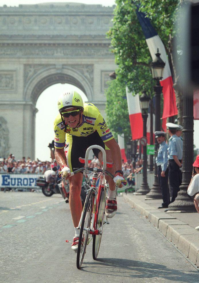 Greg Lemond op weg naar de eindzege in de Tour.