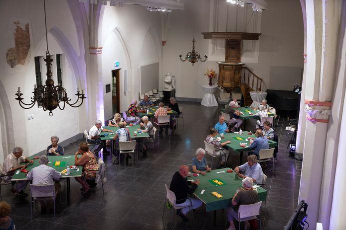 De bridgeclub komt sinds kort samen in Gasthuiskerk. De bijeenkomst die dinsdag gepland stond is afgezegd.
