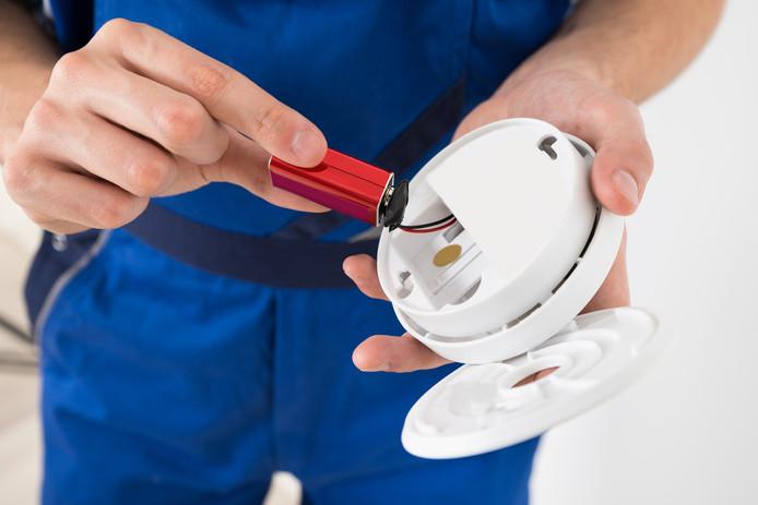 Het monteren van een rookmelder is de eigen verantwoordelijk van een bewoner.
