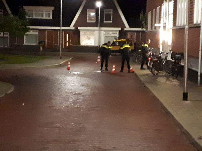 Het Spiegelhof in Nijmegen is afgezet door de politie vanwege een schietincident.
